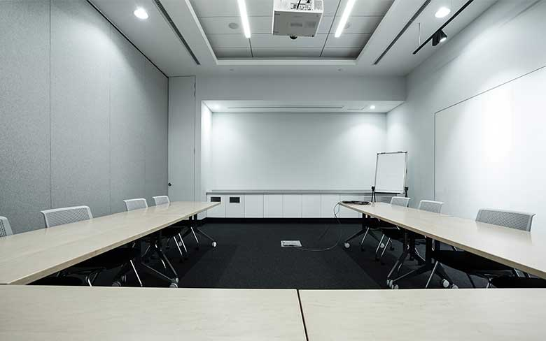 Benefits of ceiling LED lights for businesses
