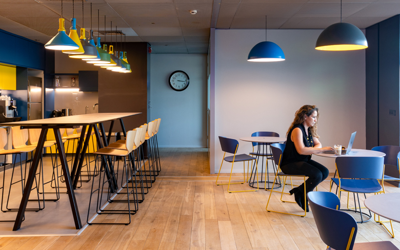 3 Tips to consider when lighting cafeterias